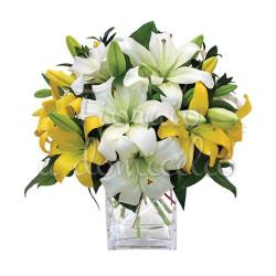 bouquet_di_gigli_gialli_bianchi