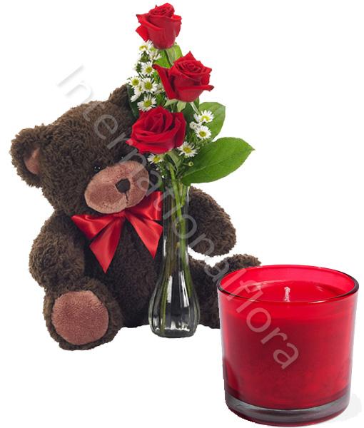 tre-rose-rosse-con-orsetto-e-candela