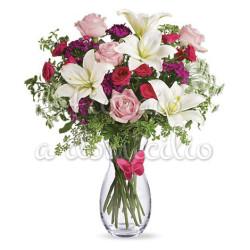 bouquet_gigli_bianchi_roselline_rosse_rosa