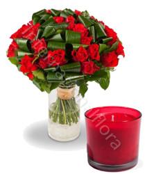 bouquet-di-rose-rosse-e-candela