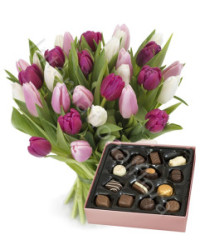 bouquet-di-tulipani-rosa-fucsia-scatola-cioccolatini-247x300