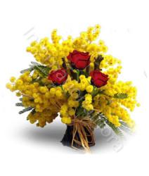 tre-rose-rosse-con-mimosa